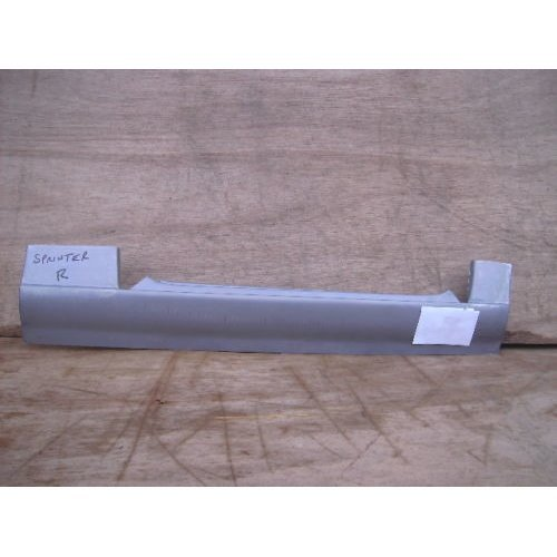MERCEDES SPRINTER 1995 TO 2005 NEW FRONT DOORSTEP SILL DRIVERS RH SIDE 054
